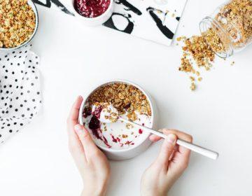 Как обычный йогурт поможет вам нормализовать вес